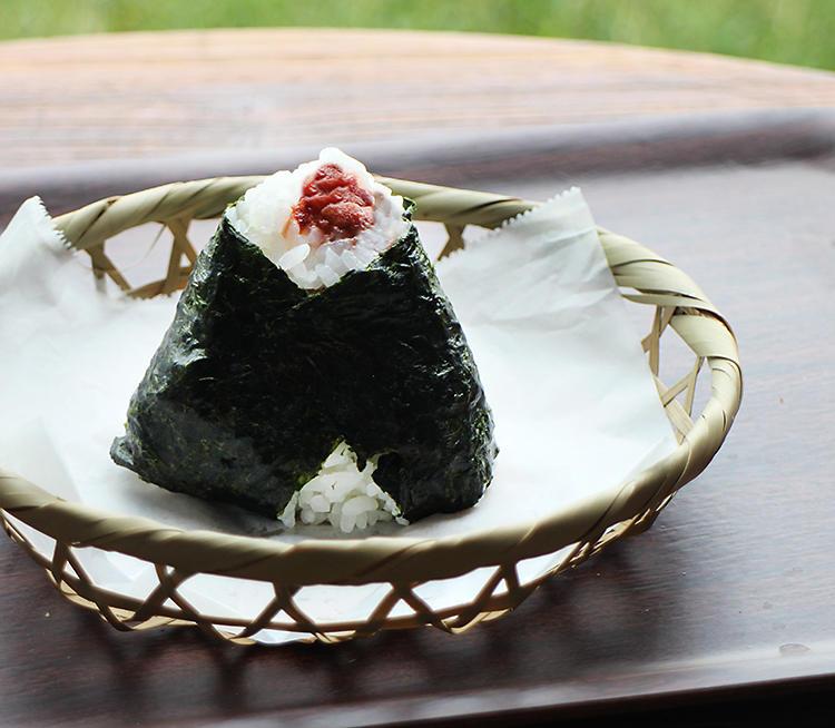 日野米おにぎり2.jpg