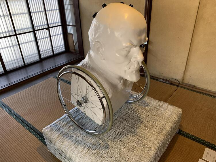 ORACLE/トーマス・フォイエルスタイン作(カネ吉別邸)