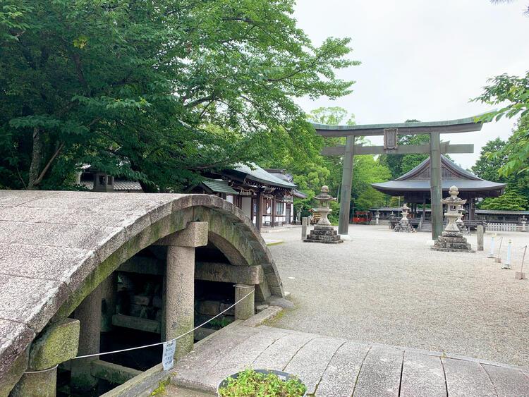 水口神社 境内