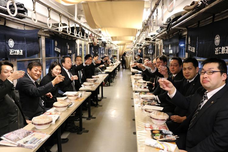 3.地酒電車.JPG