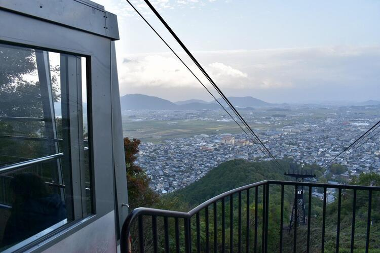 八幡山ロープウエイ2
