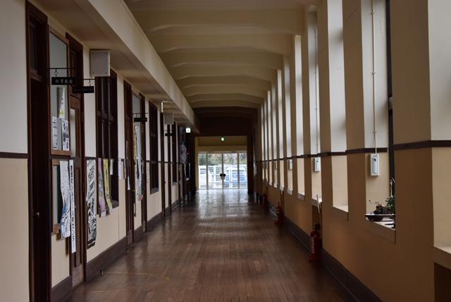 豊郷小学校廊下
