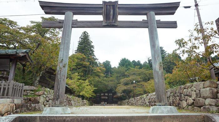 油日神社-鳥居.jpg