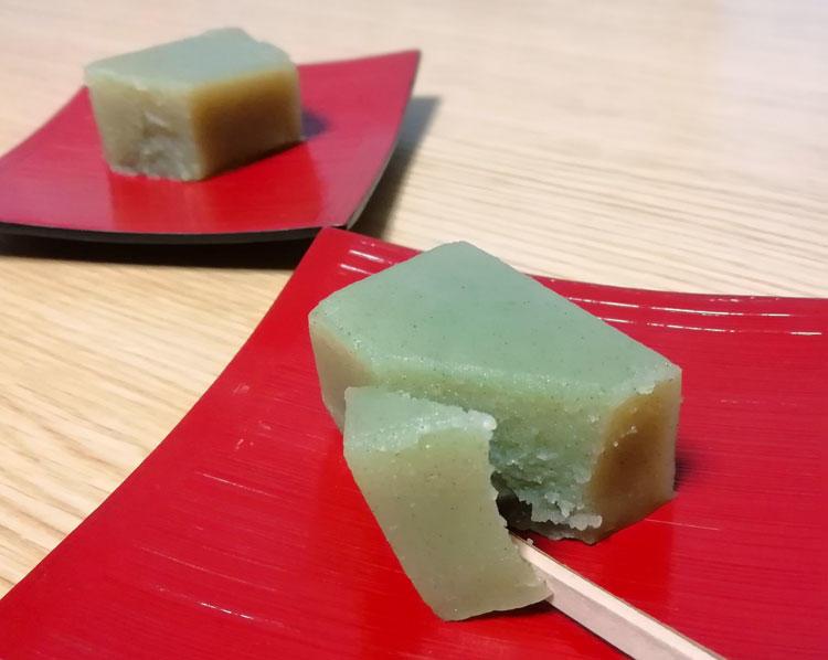 丁子屋製菓-ういろうカット.jpg