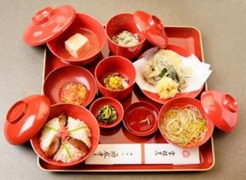 西教寺 梵字のお話とブレスレット作り&秋限定「菊御膳」ご賞味さいきょうじ ぼんじのおはなしとぶれすれっとづくり&あきげんてい きくごぜん ごしょうみ